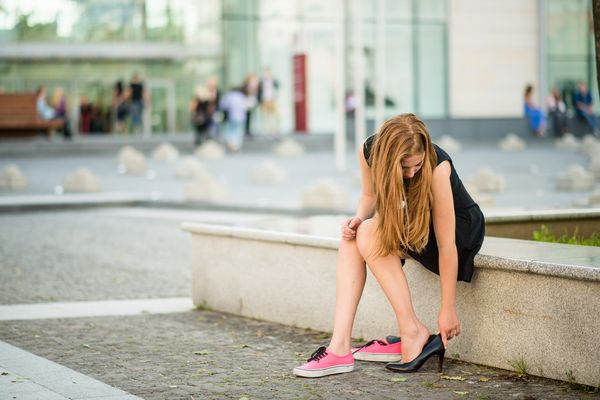 【スナック服装】最初にどんな靴を履くか?を決めるのが正解コーデ